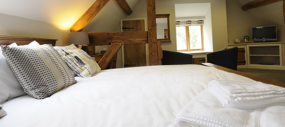 "<a href=""http://www.southhouse.co.uk/b-and-b/"">Two Wonderfully appointed & Recently Refurbished Rooms</a>"